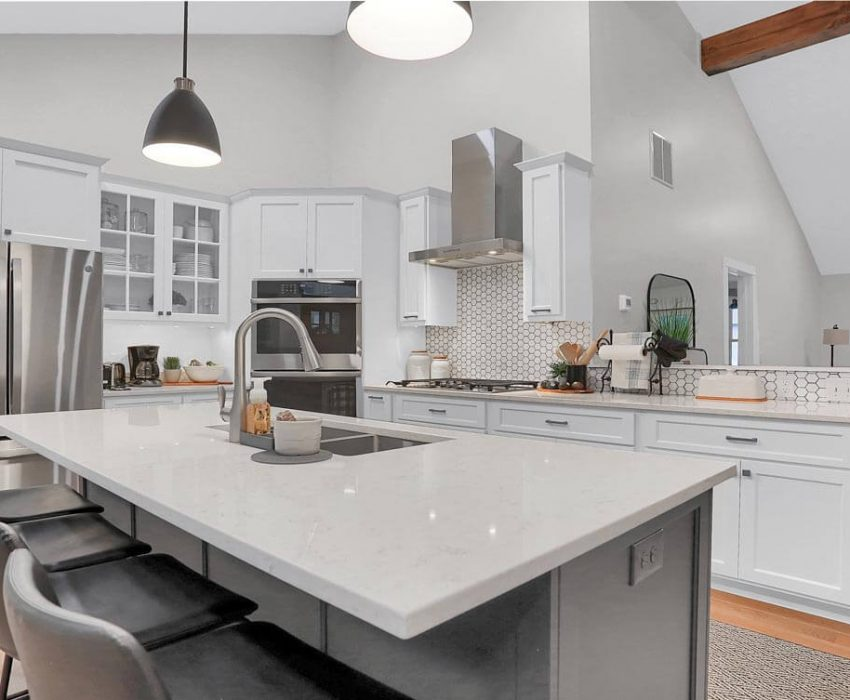 White Contemporary Shaker kitchen