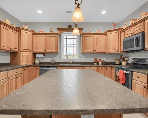 Country kitchen with Island