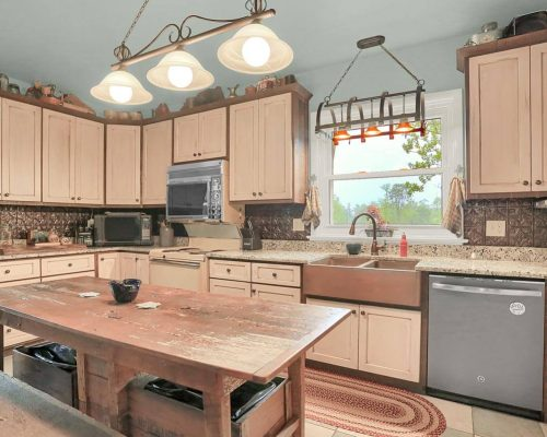 Rough sawn Oak Antique Glaze Country Kitchen
