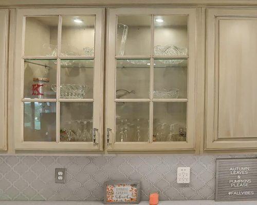 Glassware kitchen cabinet