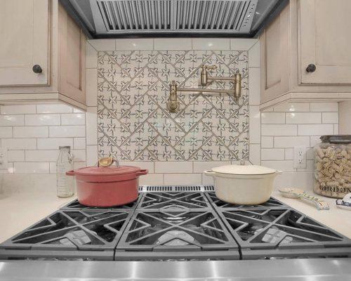 Farmhouse kitchen pot filler faucet
